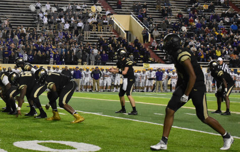 The beginning of the end> The Tigers look to score to open up the second half of the final game. (photo by Gage Maris)