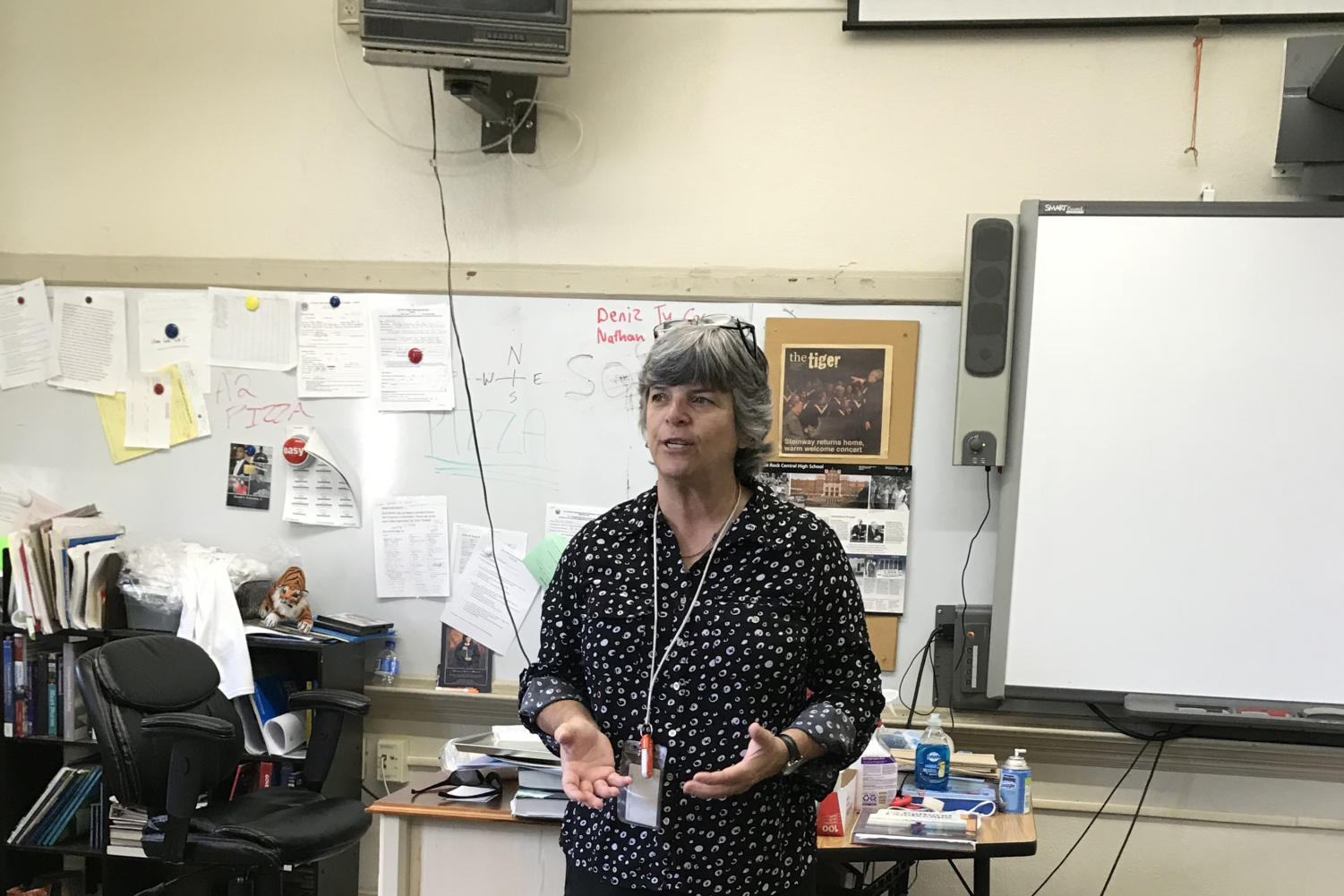 Judy Warren teaches lesson on popular and folk culture through videos showing clothes and music over time. (photo by Salma Abdulrahman)