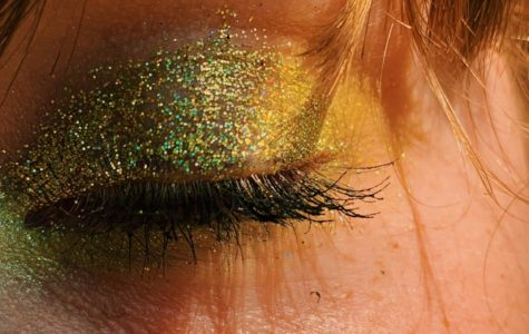 New hit television show Euphoria goes beyond presenting issues such as alcohol and drug use to influencing makeup and fashion trends (photo by Sarah Gornatti).